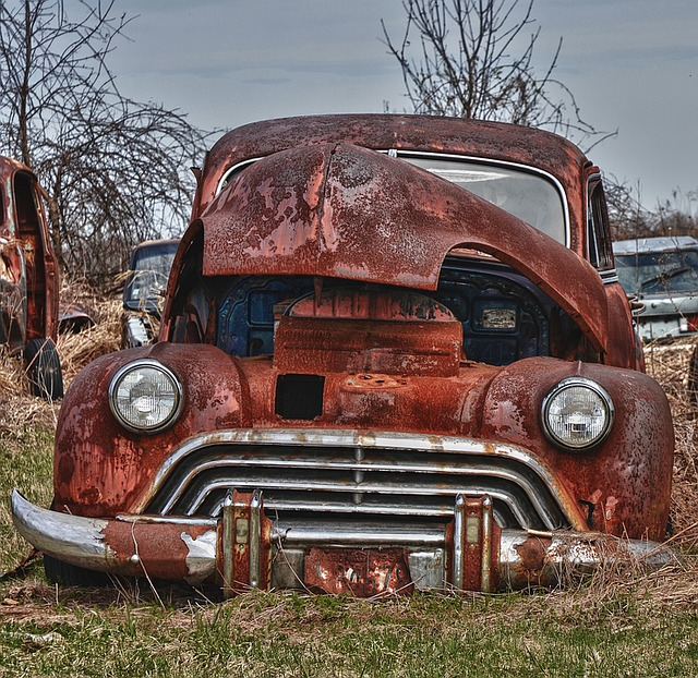 Old_Car_is_like_your_old_website_-_fixing_it_might_take_more_money_than_you_are_willing_to_spend.jpg